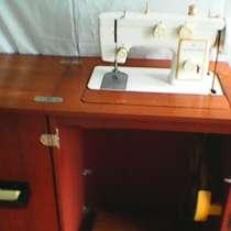 Кабинетная ножная многофункцион. швейная машинка мебельная, в г.Баку