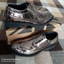 Крутые туфли броги!. Зеркальное серебро!. Эко кожа, р.42, в Сочи