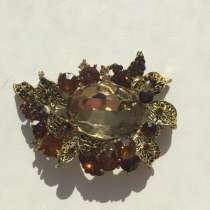 Брошь бижутерия стразы сваровски Swarovski кристаллы украшен, в Москве