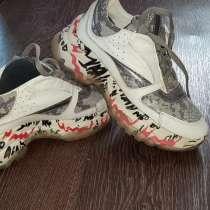 Продам кожаные кроссовки.(размер 37), в г.Костанай