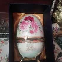 Сувенирное яицо с финифтью, в Ростове