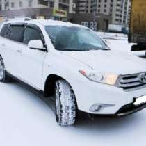внедорожник Toyota Highlander, в Москве