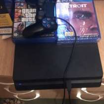 Продаю Sony PlayStation 4. Диск Фифа20, ГТА5, в Свободном