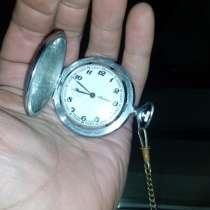 Продам часы торг не уместен, в Краснокамске