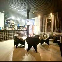 Сдам оборудованное кафе 150 м. кв. м. Пражская, в Москве