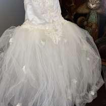Шикарное платье ручной работы (11-13 лет), в Москве