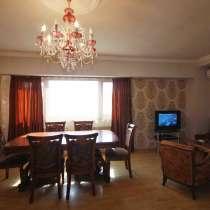 3 սենյականոց բնակարան օրավարձով տան տիրոջից, Սայաթ Նովա փող, в г.Ереван