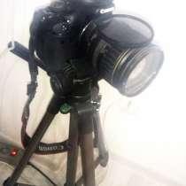 Продам фотоаппарат Canon 550d и Объектив Canon EF28-135 F3, в Москве