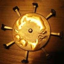 Подставки из металла для книг дизайн Cолнце сталь, в Москве