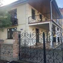 В уреки дом с участком для строительства, в г.Тбилиси