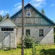 Добротный кирпичный дом с хоз и баней, 50 соток земли, в Пскове