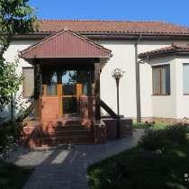 Дом-усадьба 634 м² на участке 30 сот. с собственным прудом, в Севастополе