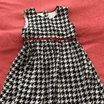 Платья от4-6лет от 900₽ Мехова накидка 500₽ туфли 32 размер8, в Дзержинском