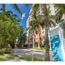 Современная квартира в Майами в красивом доме, в г.Майами