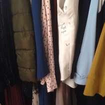 Продаю платье и костюмы, в Назране