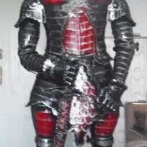 Рыцарь в доспехе-скульптура из металла, в Белореченске
