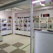 Сдам 5-7м2 1 этаж ткацкий швее(другое)!!!продам стеллажи!!!, в Горно-Алтайске