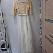 Продам свадебное платье (размер 48-50), в Ангарске
