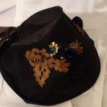 Дизайнерская шапочка из джинсы с аппликацией из кожи, в г.Рубе