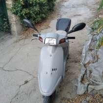 2 тактный скутер в хорошем состоянии едет бодро все работает, в Феодосии