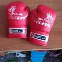 Боксерский манекен и перчатки, в Перми