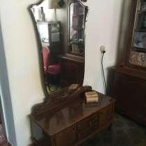 Продаётся Горка и зеркало с тумбой, в г.Бендеры