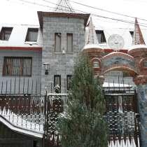 Коттедж 430 кв. м. в черте города, в Новосибирске
