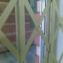 Решетчатые раздвижные двери, в Перми