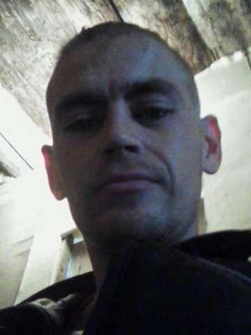 Анатолий, 29 лет, хочет познакомиться