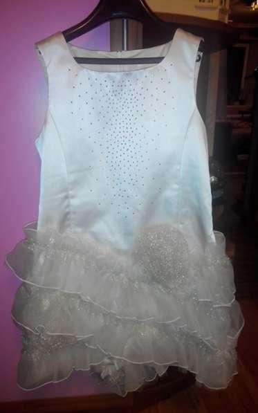 Платье на подростка праздничное