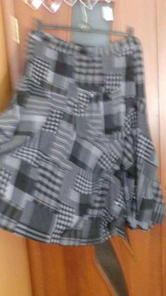 Продам платье летнее нарядное 58 размера и юбку 62 размера