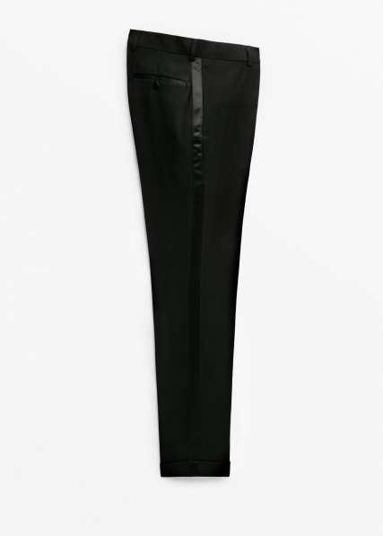 Две Пары мужских брюк с атласными лампасами-галунами