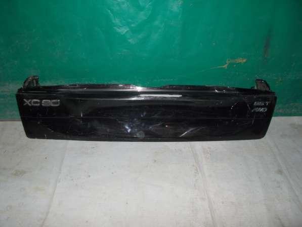 Нижняя часть крышки багажника Volvo XC90 задний