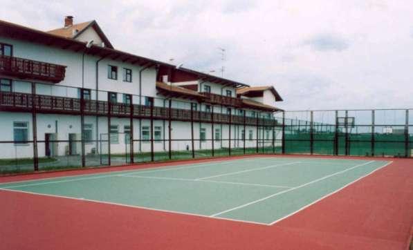 Строительство теннисного корта качественно, по доступной цен в Екатеринбурге