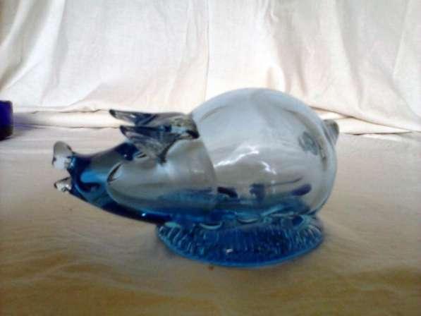 Свинка синего стекла