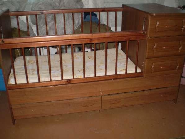 Детская кроватка-трансформер с матрасом