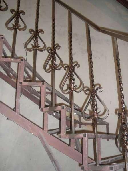 Лестницы и перила сварные, кованные