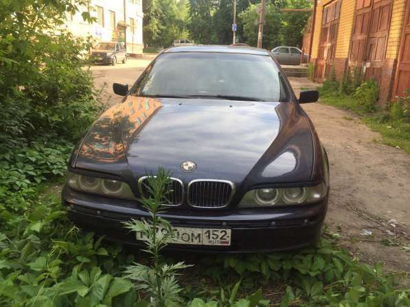 Продаю автомобиль BMW530i, синего цвета