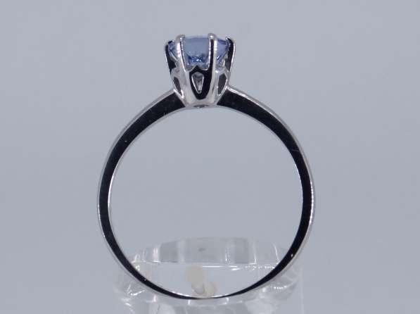 Кольцо золотое с круглым Танзанитом Ф 5.8 мм в Москве фото 5