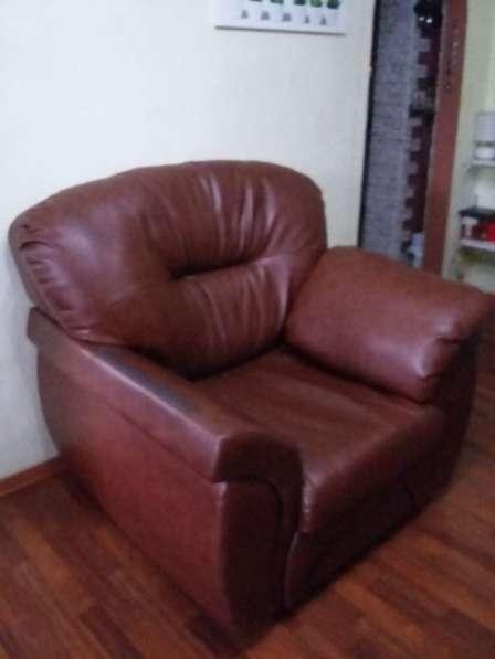 Натур. кожа. Цвет темно-коричневый. кресло+диван