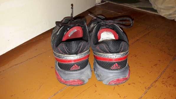 Беговые кроссовки в хорошем состоянии
