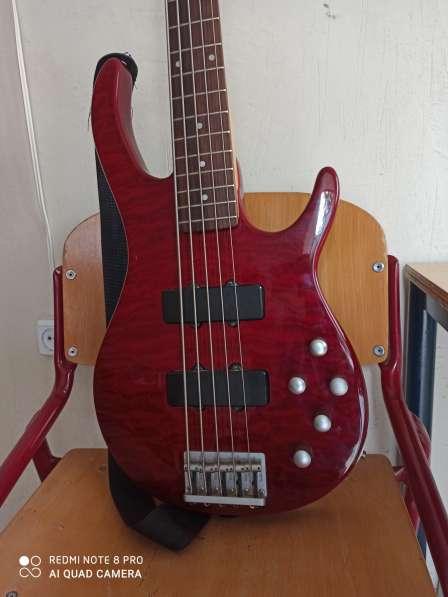Бас гитара 5 струн и комбик 45 ват в фото 9