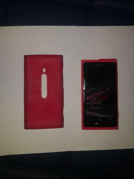 Продам мобильный телефон нокия люмия 800