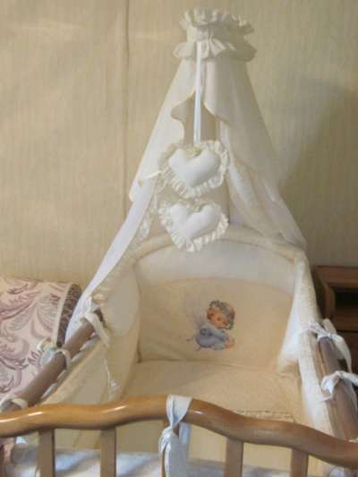 детскую кроватку Можга