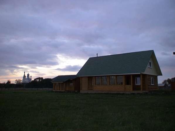 Дом на берегу Чудского озера рядом с монастырем