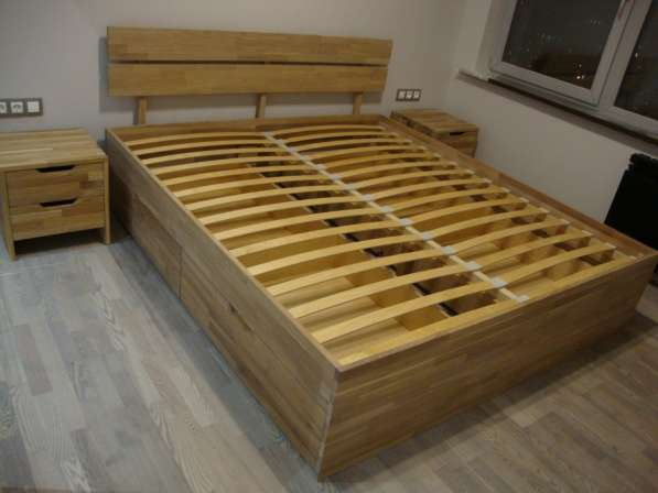 Кровати из натурального дерева дуб