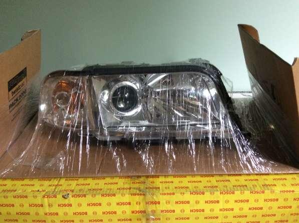 Фара правая 0301171202 Bosch A8 99 Audi A8