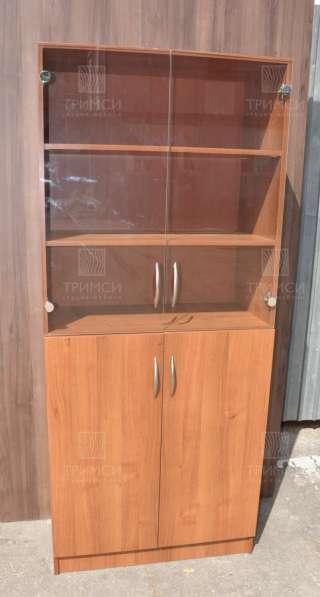 Шкаф со стеклянными дверьми в Москве