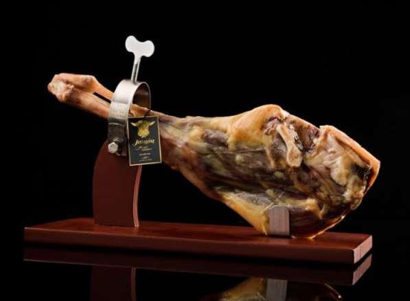 Продаем оптом испанские мясные деликатесы