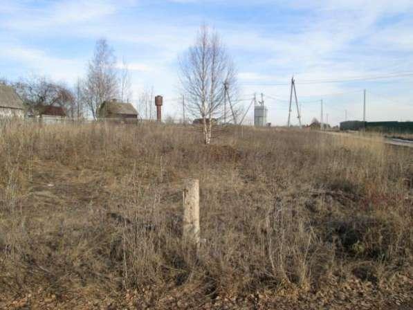 Продается земельный участок 12 соток ЛПХ в дер. Шеломово, Можайский р-он, 110 км от МКАД по Минскому и Новорижскому шоссе.